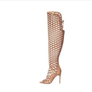 NWT VInce Camuto caged Boots